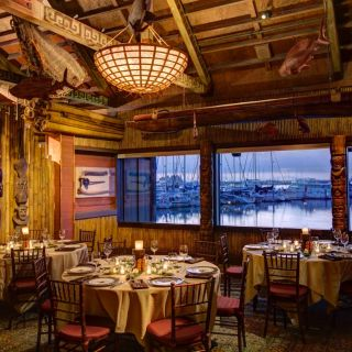 A photo of Trader Vic's - Emeryville restaurant
