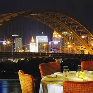 A photo of Chart House Restaurant - Newport (Cincinnati) restaurant
