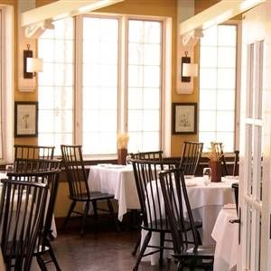 A photo of Seasons Restaurant and Taproom restaurant