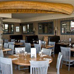 Blue Canoe Waterfront Restaurantの写真