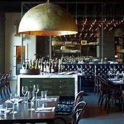 Foto von Redd Wood Restaurant
