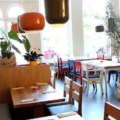 Nero's Restaurant, Cafe & Lounge