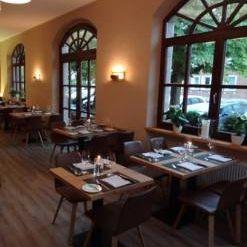 Una foto del restaurante Gusto Natural modern. grill.