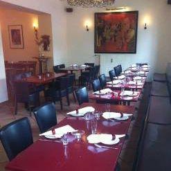 A photo of Dix restaurant