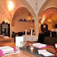 Una foto del restaurante Augustlhof  Saustall