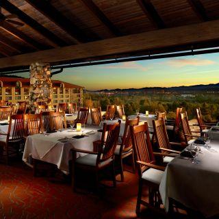 Sunset Terrace - Omni Grove Park Innの写真