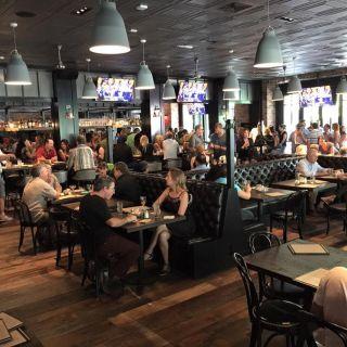 A photo of Iron Horse Tavern - Sacramento restaurant