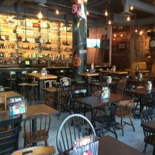 A photo of La Belle et La Boeuf - Montreal +18 restaurant
