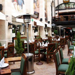 A photo of Cambalache - Insurgentes restaurant