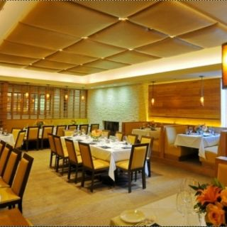 A photo of Elway's Vail restaurant