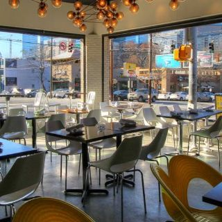 A photo of 10th & Piedmont restaurant