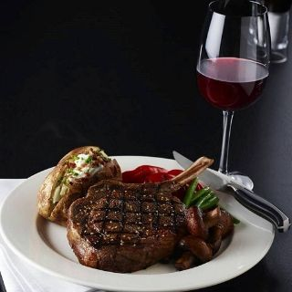 Foto von The Keg Steakhouse + Bar - Sherway Restaurant