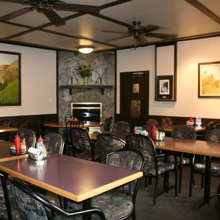 A photo of Barb & Ernie's Old Country Inn restaurant