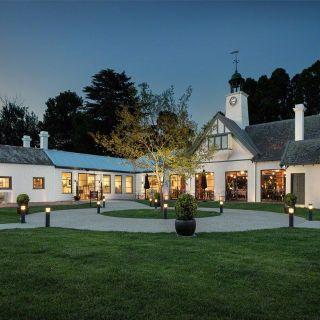 Foto von Coombe The Melba Estate Restaurant