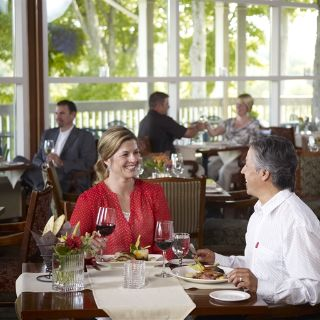 Eclipse Restaurant - Deerhurst Resortの写真