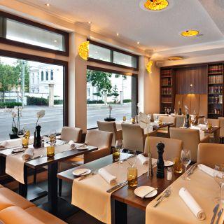 Foto von Fleming's Hotel Frankfurt Main - Riverside Restaurant