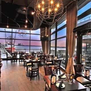 A photo of 75 on Liberty Wharf Bar & Grill restaurant