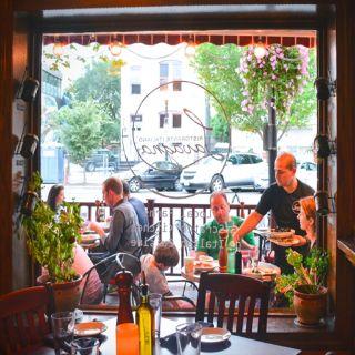A photo of Lavagna - Washington DC restaurant