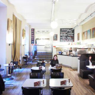Foto von Barcomi's Deli Restaurant
