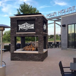 A photo of Old Town Pour House - Naperville restaurant