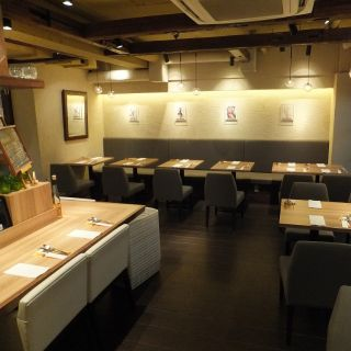 A photo of Atelier de Fromage Minami-Aoyama restaurant