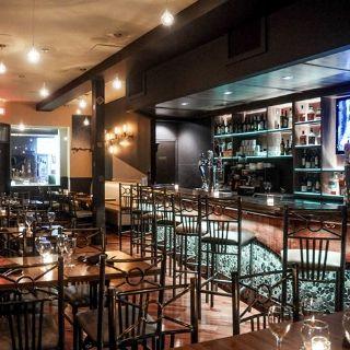 Foto von Safari Bar and Grill- Toronto Restaurant