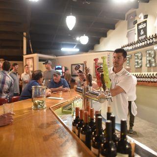 Una foto del restaurante Texas Beer Refinery