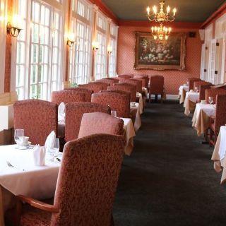 A photo of Simon's Cliff House restaurant