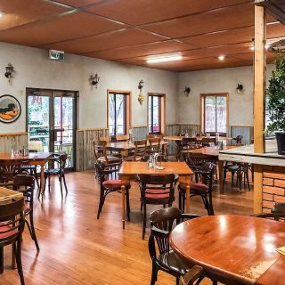 A photo of Hungry Horse Hotel restaurant