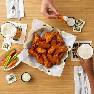 A photo of Buffalo Wild Wings - Harlem restaurant