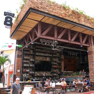Una foto del restaurante Patio 8