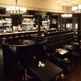 A photo of Five Horses Tavern - Davis Square restaurant