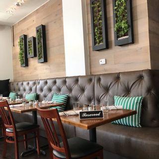 A photo of Aaron's Table & Wine Bar restaurant