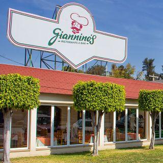 Una foto del restaurante Giannino's
