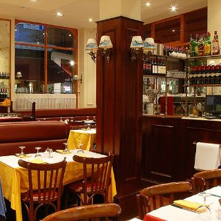 A photo of Le Relais de Venise - Soho (London) restaurant