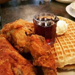 A photo of LoLo's Chicken & Waffles - Southlake restaurant
