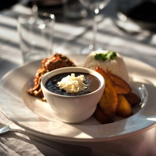 A photo of Bien Me Sabe restaurant