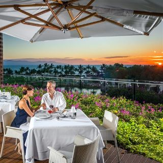 Una foto del restaurante Azur at Vidanta Vallarta