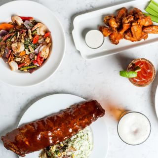 A photo of Earls Kitchen + Bar - Main Street - Winnipeg restaurant