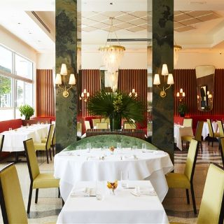 A photo of Sant Ambroeus Palm Beach restaurant
