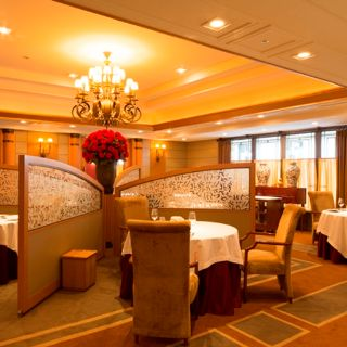 A photo of Les Saisons - Imperial Hotel Tokyo restaurant
