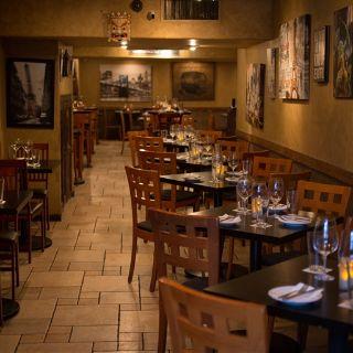 Formaggio Wine Bar - Honoluluの写真