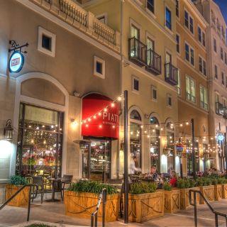 35 Restaurants Near The S At La
