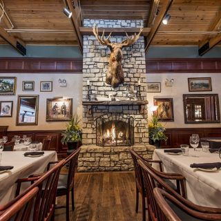 A photo of deSha's American Tavern restaurant