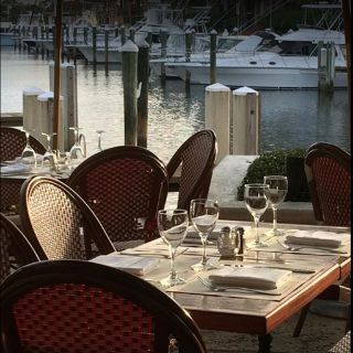 A photo of Cafe des Artistes-on the Water restaurant