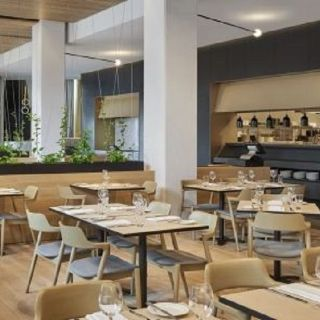 Dock 18 - Four Points by Sheraton Melbourne Docklands