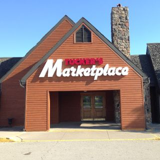 A photo of Tucker's Marketplace - Burlington restaurant