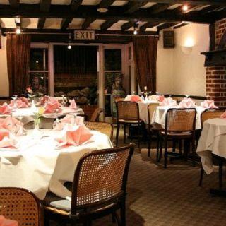 A photo of Lucky Fountain restaurant