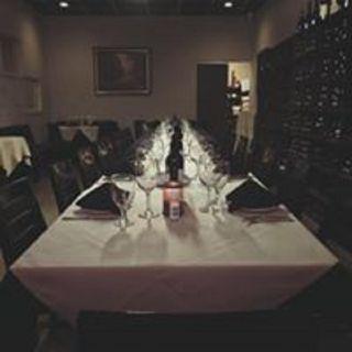 Una foto del restaurante Tutto Bene Italian Cuisine & Wine Bar