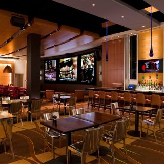 A photo of National Pastime Sports Bar & Grill - Gaylord National restaurant